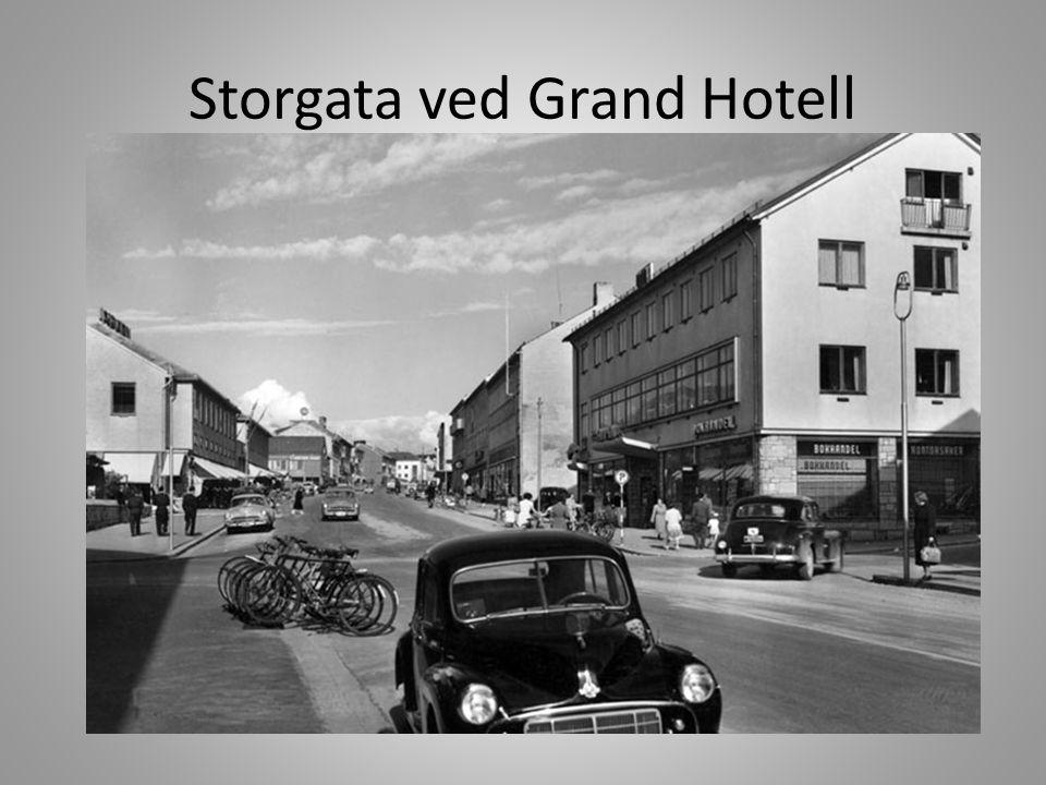 Storgata ved Grand Hotell