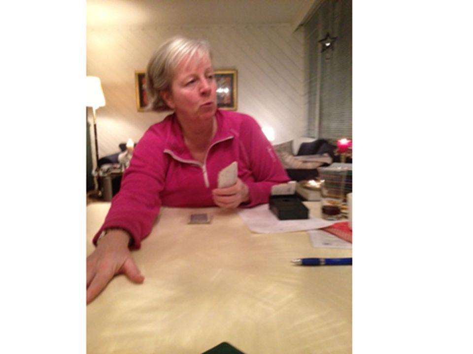 Bilde 24) Engasjert bridge-mor, privat hjemme hos Guri