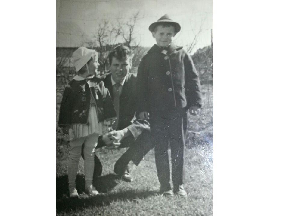 Bilde 4) Som lillesøster var jeg en stor beundrer av mine storebrødre