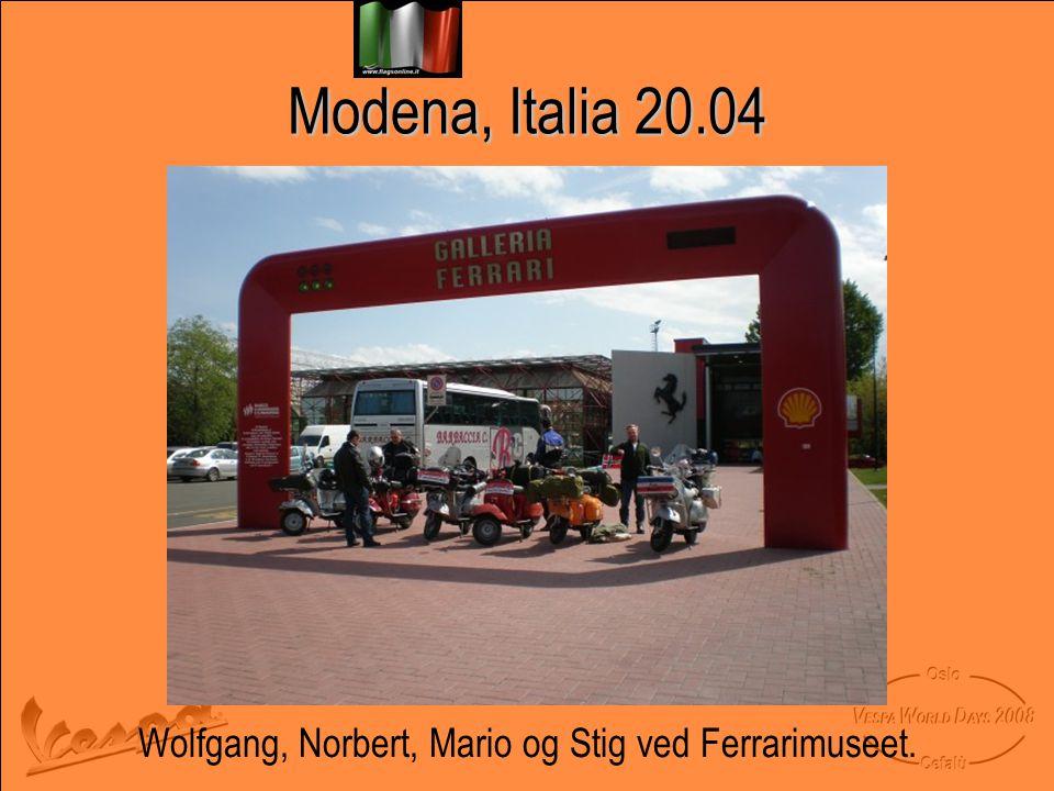 Wolfgang, Norbert, Mario og Stig ved Ferrarimuseet.