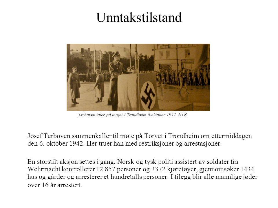 Unntakstilstand Terboven taler på torget i Trondheim 6.oktober 1942. NTB.