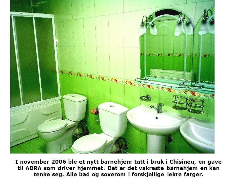 I november 2006 ble et nytt barnehjem tatt i bruk i Chisineu, en gave til ADRA som driver hjemmet.