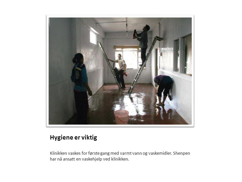 Klinikken vaskes for første gang med varmt vann og vaskemidler