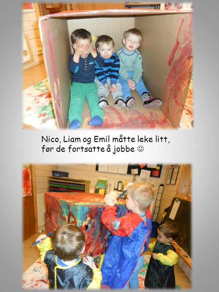 Nico, Liam og Emil måtte leke litt,