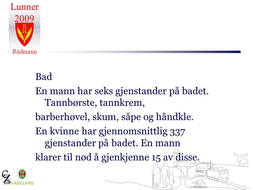 Bad En mann har seks gjenstander på badet. Tannbørste, tannkrem, barberhøvel, skum, såpe og håndkle.