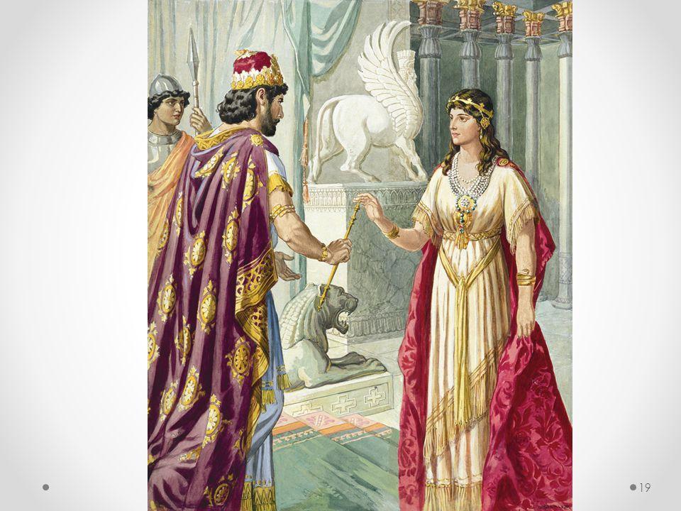 Dermed går Ester inn til kongen, og i løpet av noen dager blir det klart for ham hva slags konspirasjon som er lagt opp mot folket hennes, og som til og med har brakt hans utvalgte dronning i alvorlig fare.