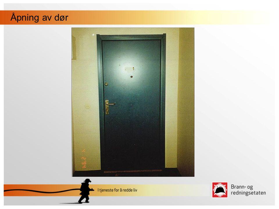 Åpning av dør
