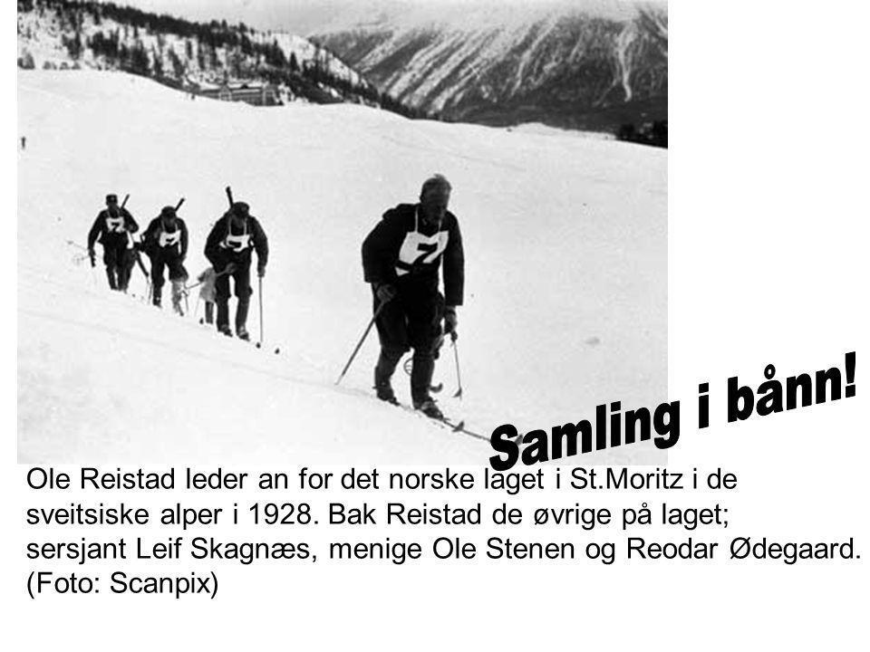 Samling i bånn! Ole Reistad leder an for det norske laget i St.Moritz i de. sveitsiske alper i 1928. Bak Reistad de øvrige på laget;