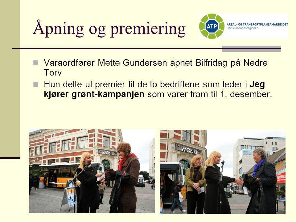 Åpning og premiering Varaordfører Mette Gundersen åpnet Bilfridag på Nedre Torv.