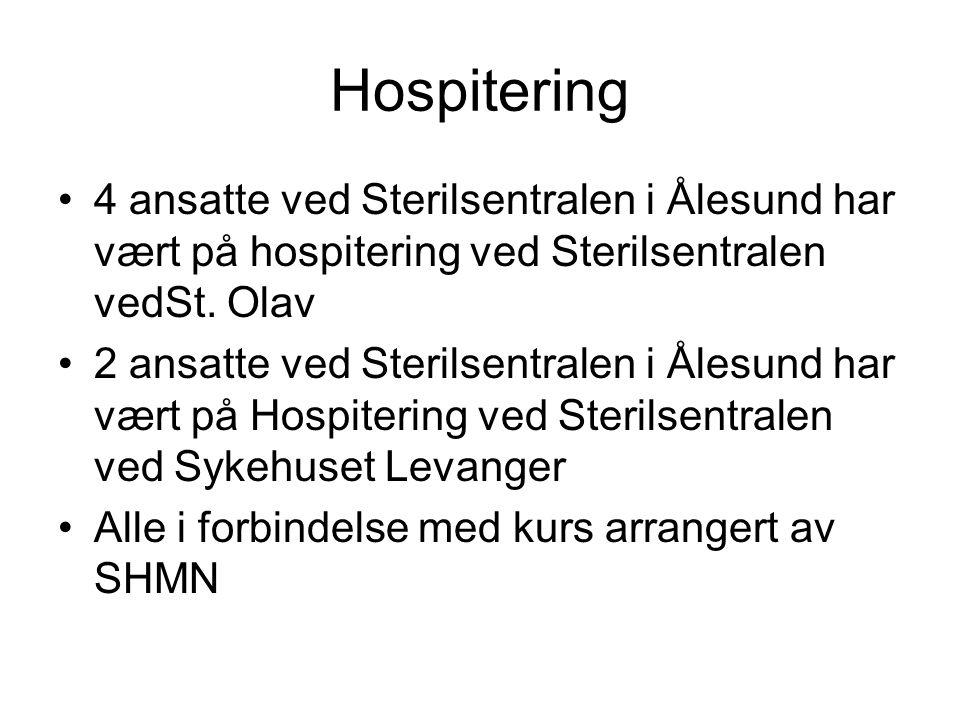 Hospitering 4 ansatte ved Sterilsentralen i Ålesund har vært på hospitering ved Sterilsentralen vedSt. Olav.