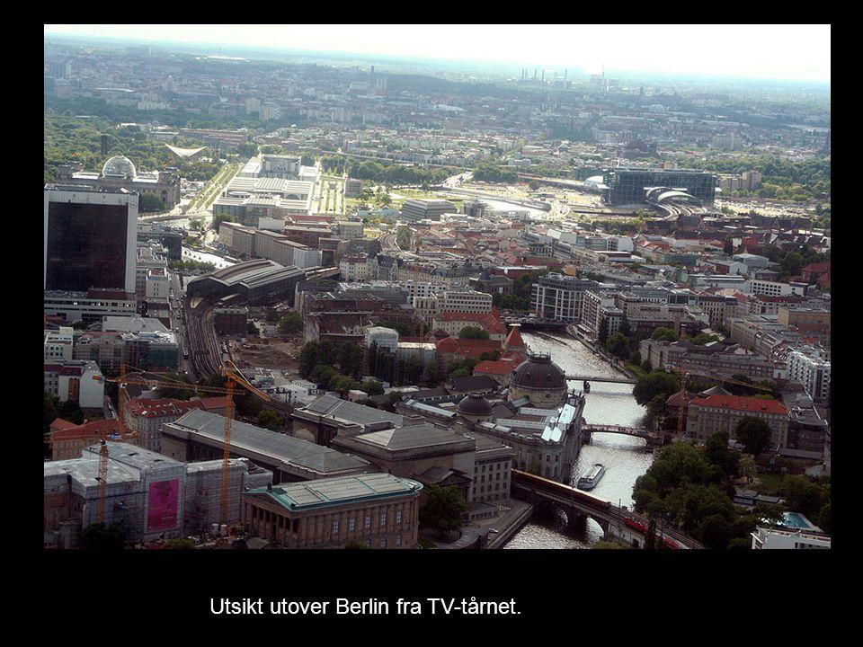 Utsikt utover Berlin fra TV-tårnet.