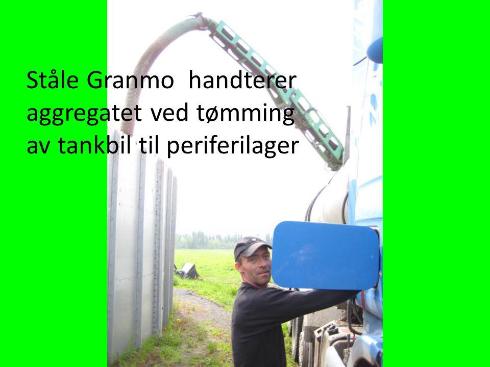 Ståle Granmo handterer