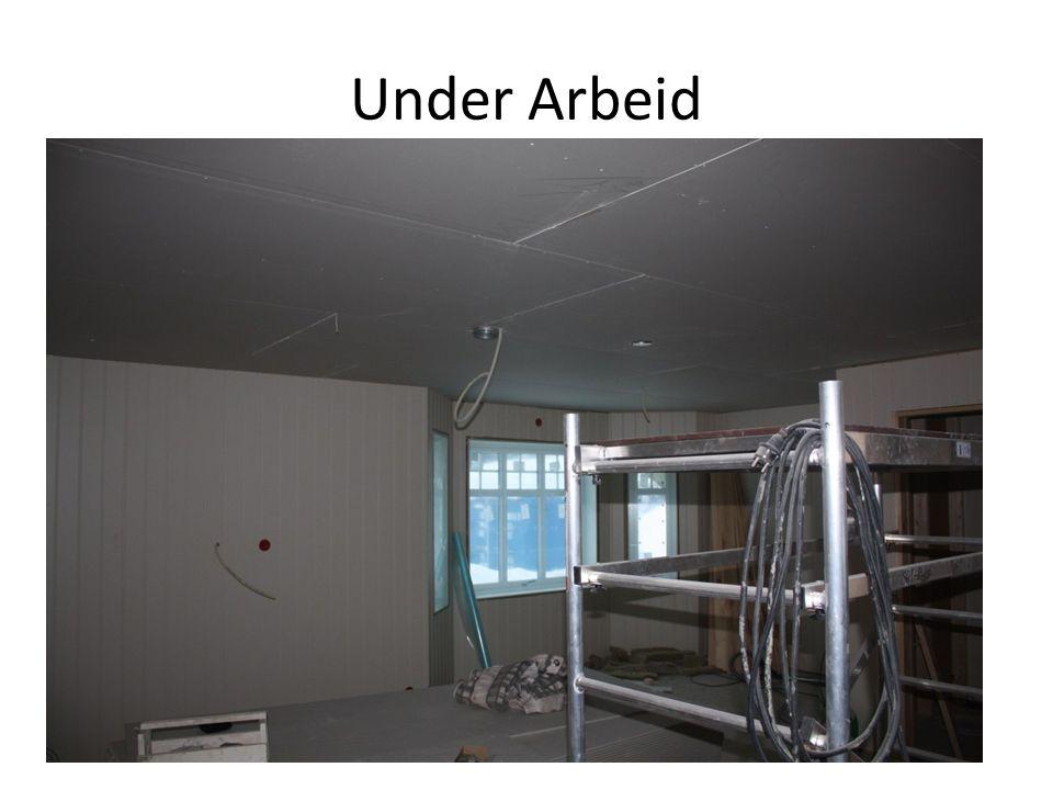 Under Arbeid Elektrikker frarådet å legge opp ekstra ledninger for lysstyring.
