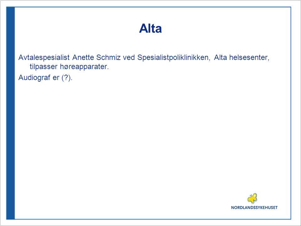 Alta Avtalespesialist Anette Schmiz ved Spesialistpoliklinikken, Alta helsesenter, tilpasser høreapparater.