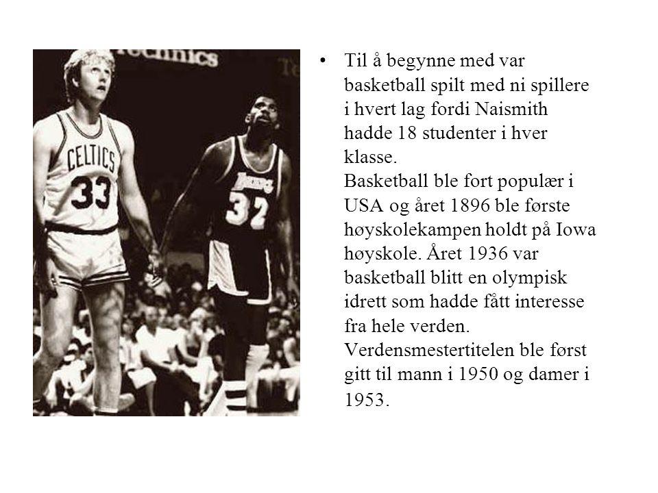 Til å begynne med var basketball spilt med ni spillere i hvert lag fordi Naismith hadde 18 studenter i hver klasse.