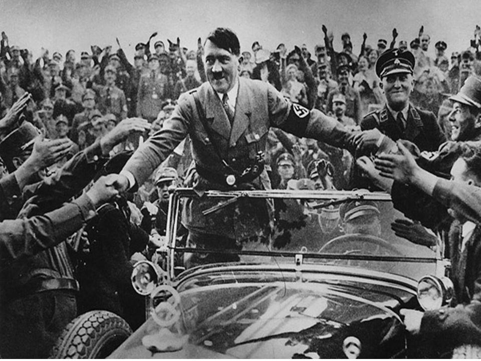 Mange tyskere var fornøyd med den nye militærmakten