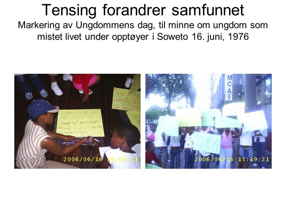 Tensing forandrer samfunnet Markering av Ungdommens dag, til minne om ungdom som mistet livet under opptøyer i Soweto 16.