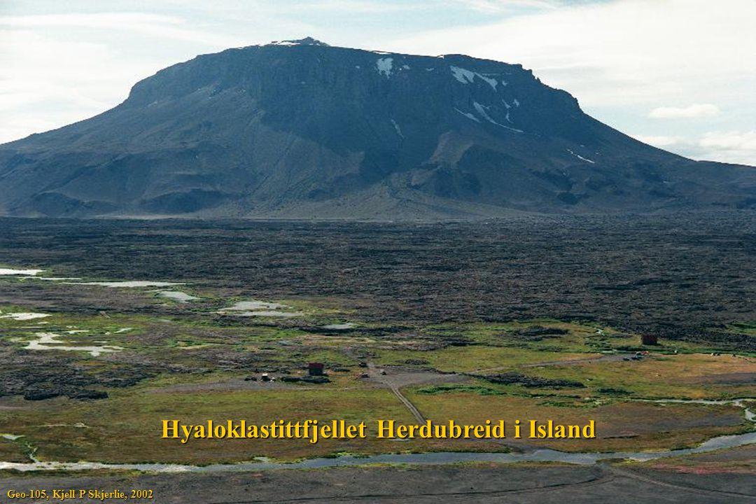 Hyaloklastittfjellet Herdubreid i Island
