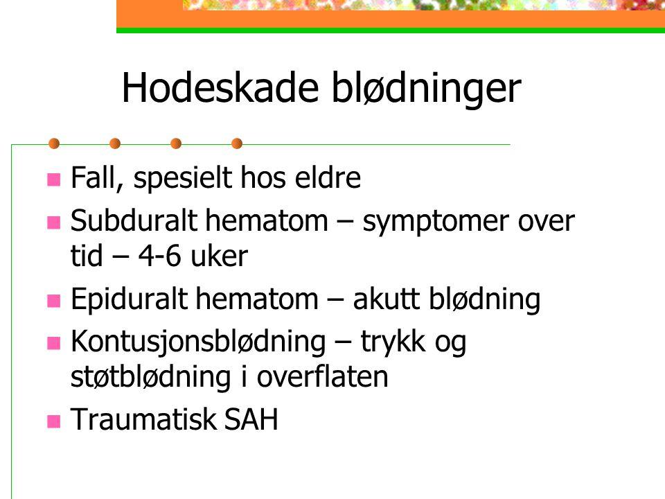 Hodeskade blødninger Fall, spesielt hos eldre