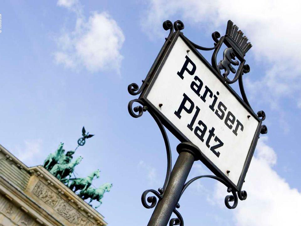 Pariser Platz – vor dem Brandenburger Tor.
