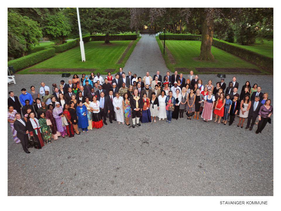Ordføreren inviterte 1 representant fra hver nasjonalitet til samling på Ledaal for å feire det flerkulturelle Stavanger.