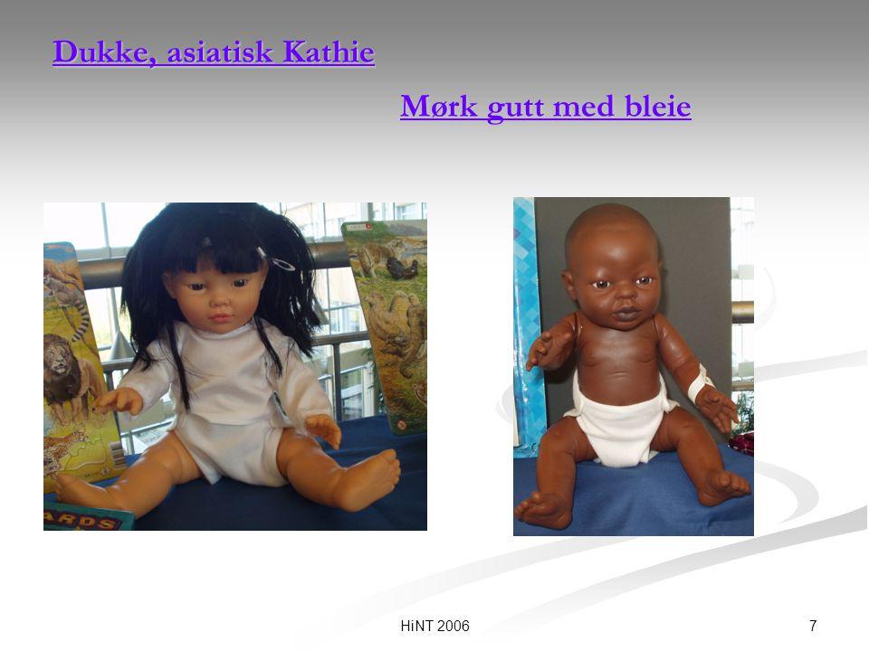 Dukke, asiatisk Kathie Mørk gutt med bleie