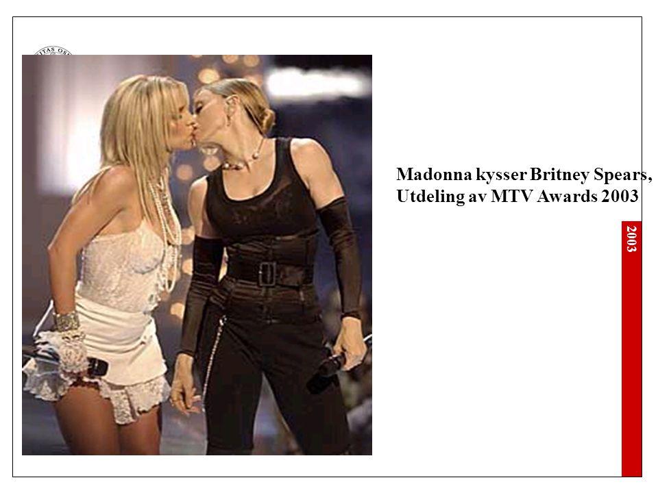 Madonna kysser Britney Spears,