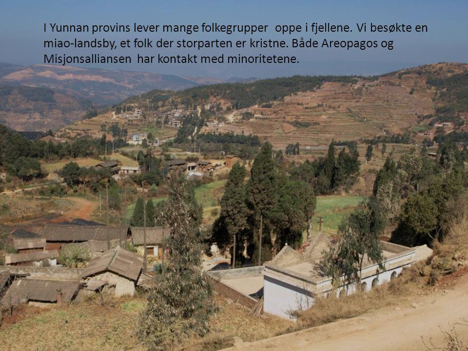 I Yunnan provins lever mange folkegrupper oppe i fjellene