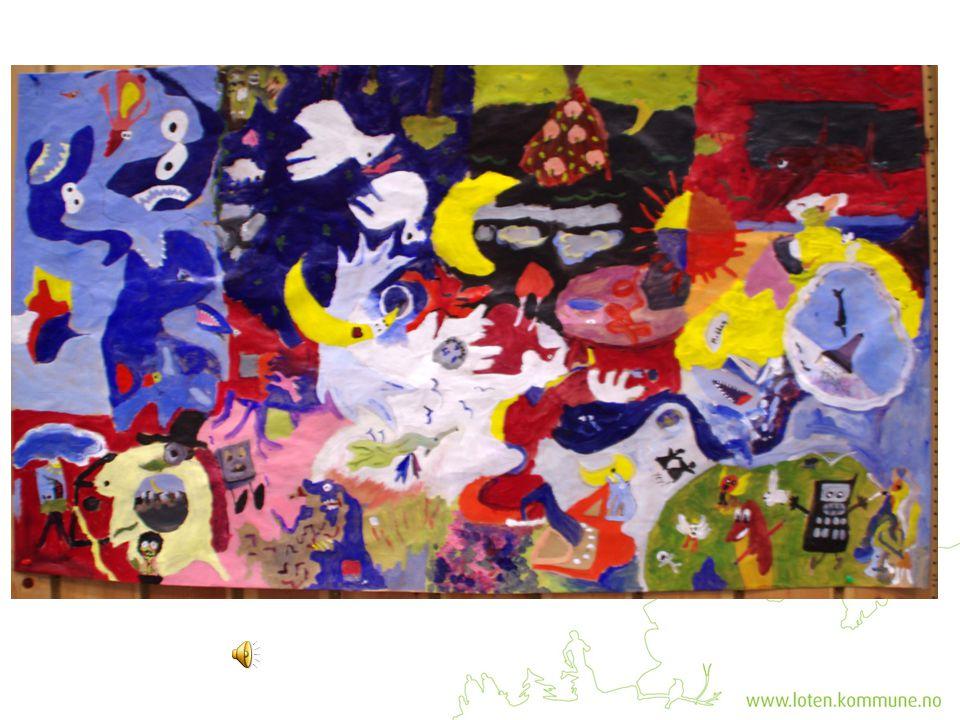 Kunstelevene jobbet rundt bordet og brukte de ulike tekstene som inspirasjon.