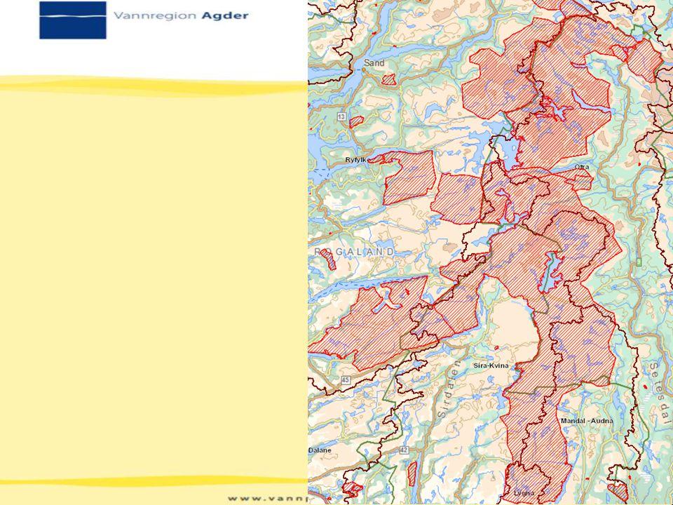 Grense mellom forskjellige verneområder er markert med tykkere rød strek.