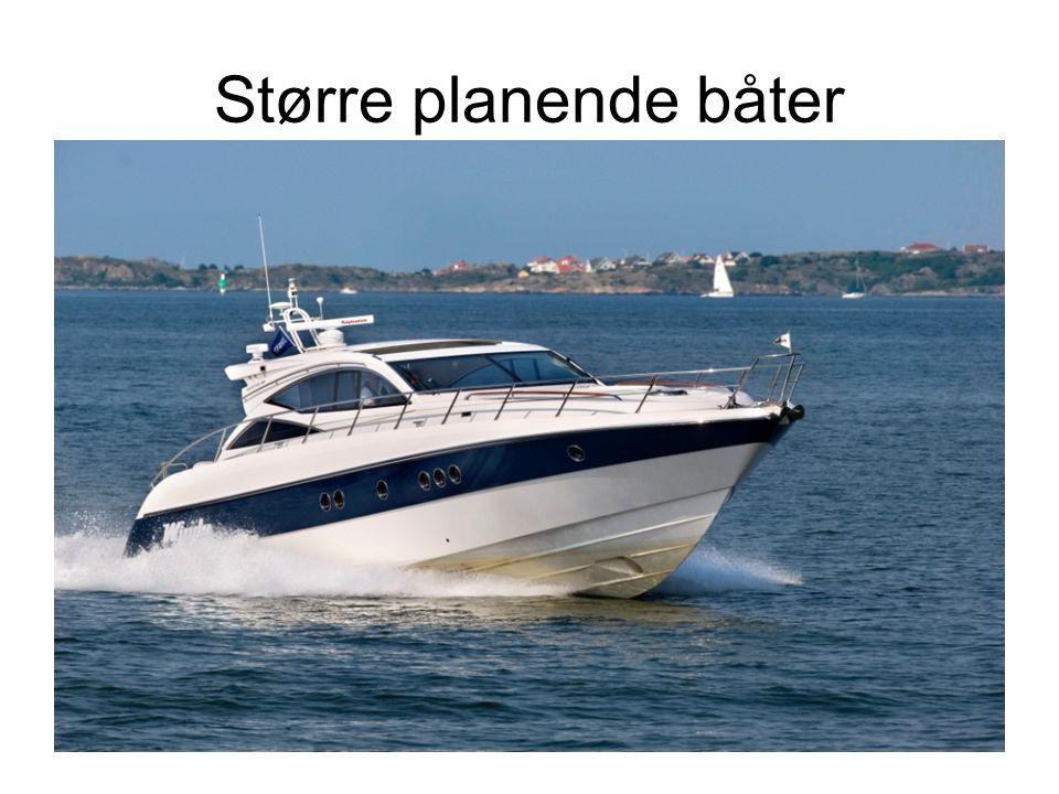 Større planende båter