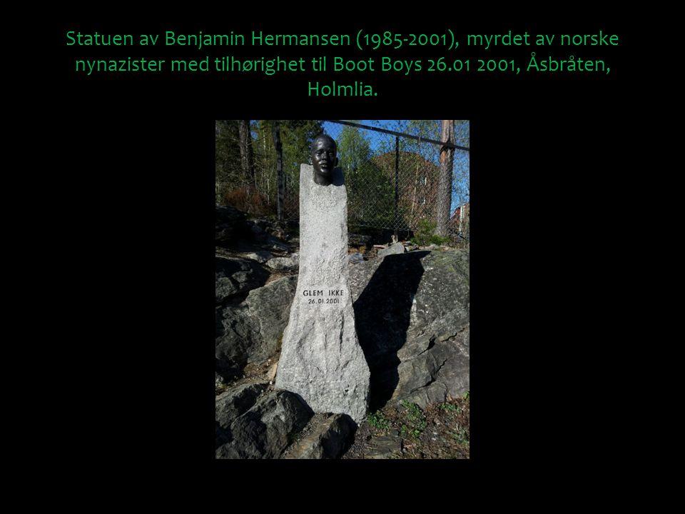 Statuen av Benjamin Hermansen (1985-2001), myrdet av norske nynazister med tilhørighet til Boot Boys 26.01 2001, Åsbråten, Holmlia.